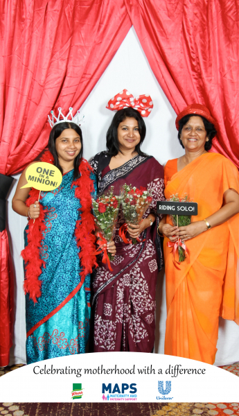 photo-booth-pictures-mothers-day (23)