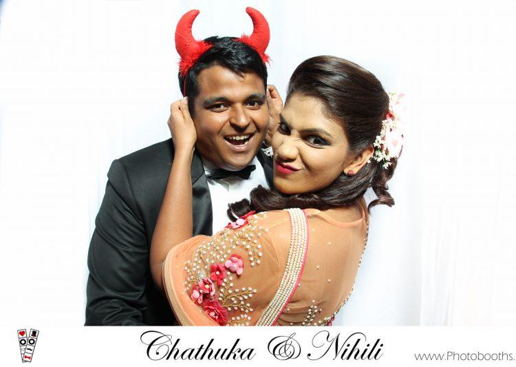 Chathuka-&-Nihili-wedding-photobooth-srilanka